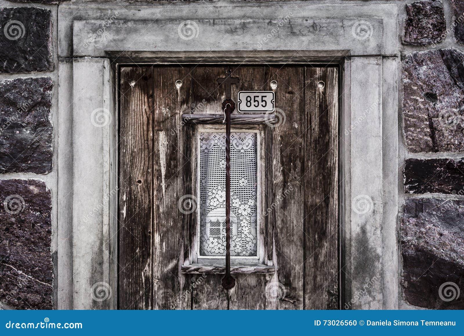 Vieille Porte En Bois Avec La Fenêtre Photo Stock Image Du