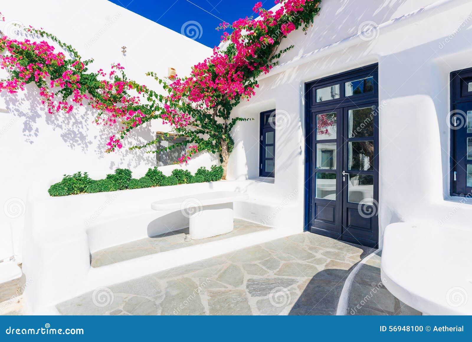 Vieille rue de ville de Mykonos
