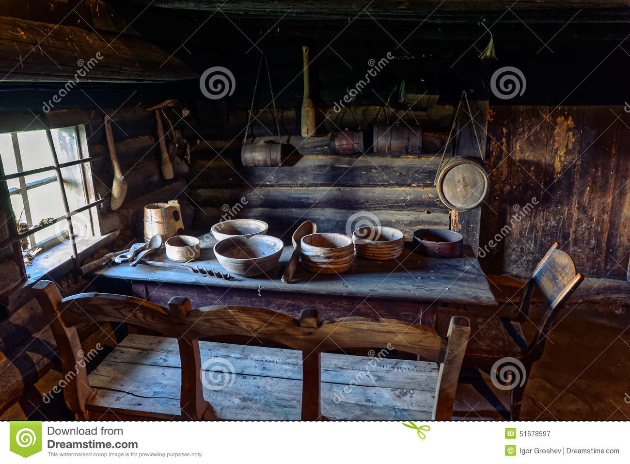 Vieille Table De Salle Manger De Ferme Photo Stock