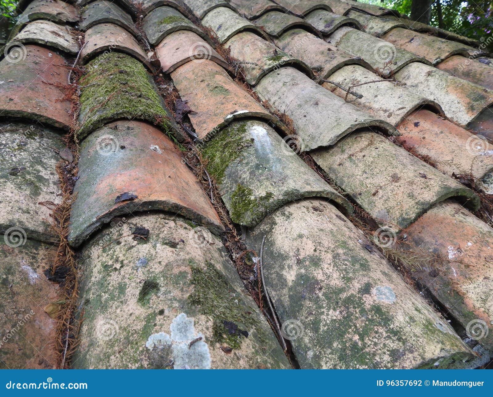 Vieille texture de toit de tuile