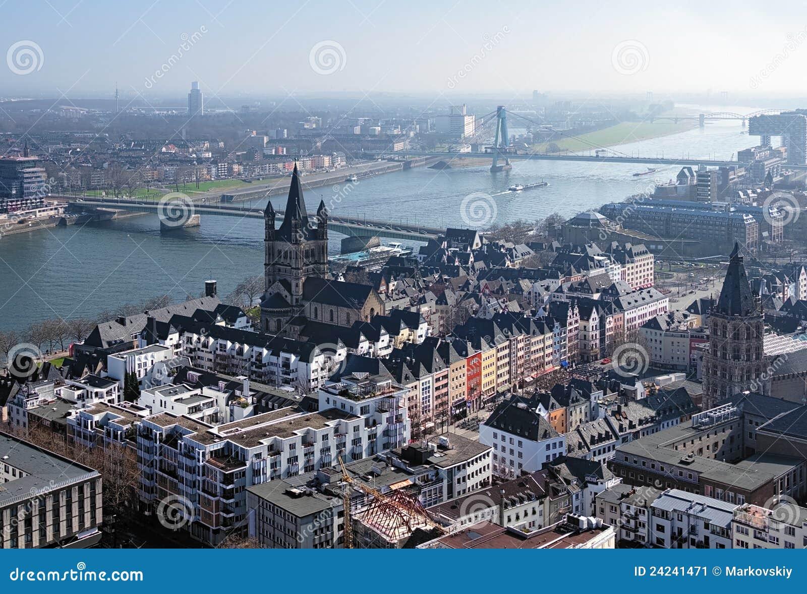 Vieille Ville De Fleuve De Cologne Et De Rhin Allemagne