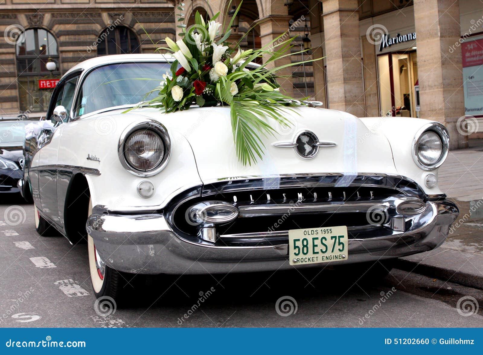 vieille voiture am ricaine de mariage image ditorial image du am ricain chevrolet 51202660. Black Bedroom Furniture Sets. Home Design Ideas