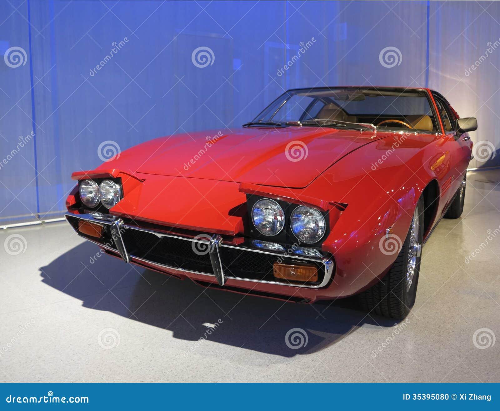 Vieille voiture de maserati photo stock image 35395080 for Salon vieilles voitures