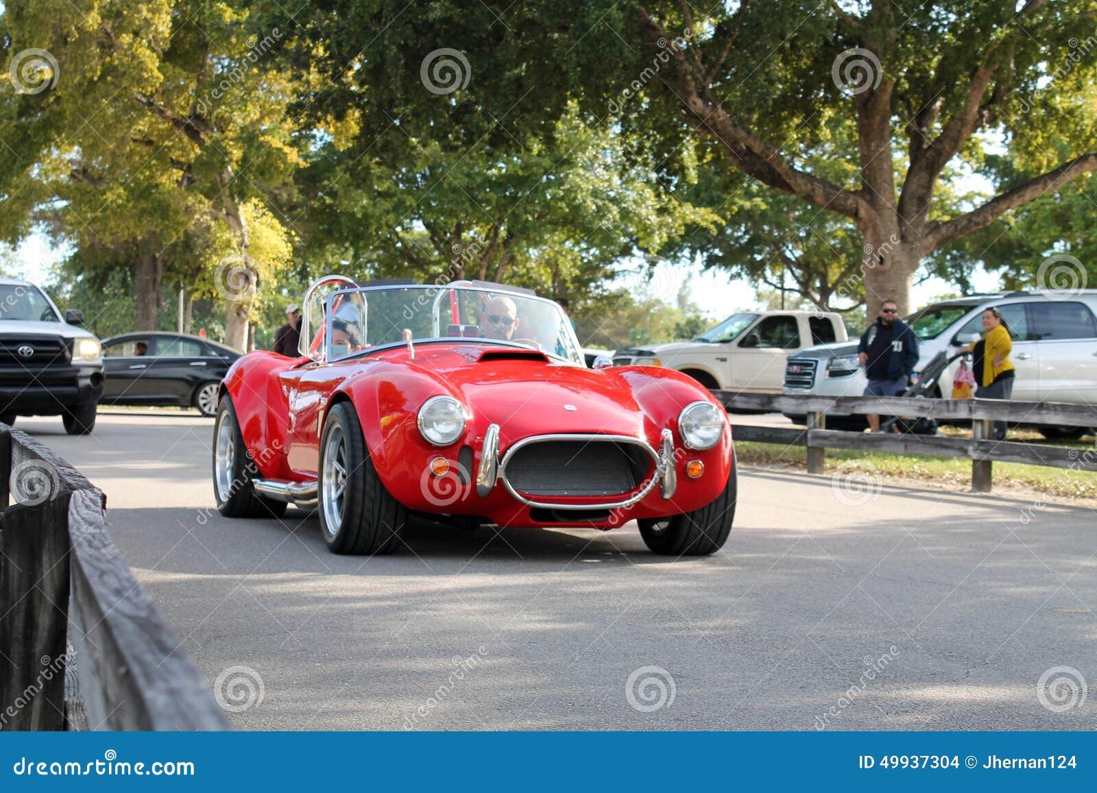 Vieille voiture de sport rouge classique image stock for Salon vieilles voitures