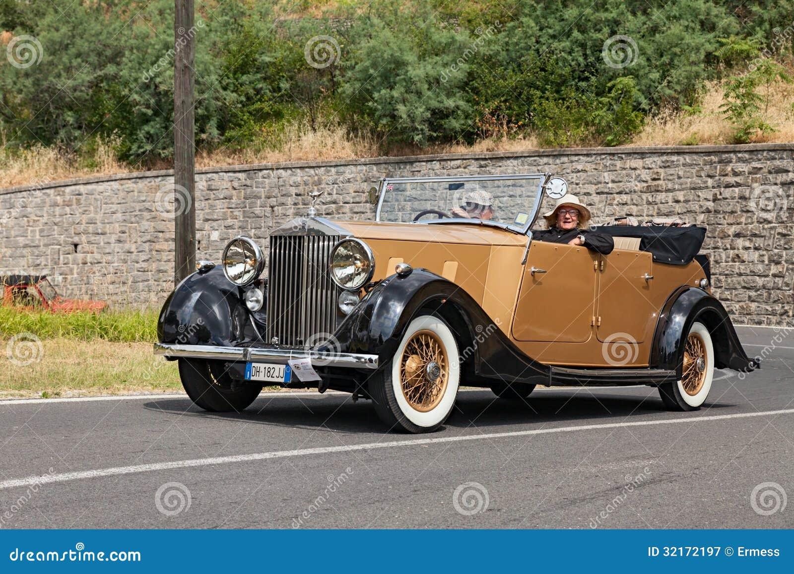 Vieille voiture rolls royce photographie ditorial image - Image de vieille voiture ...
