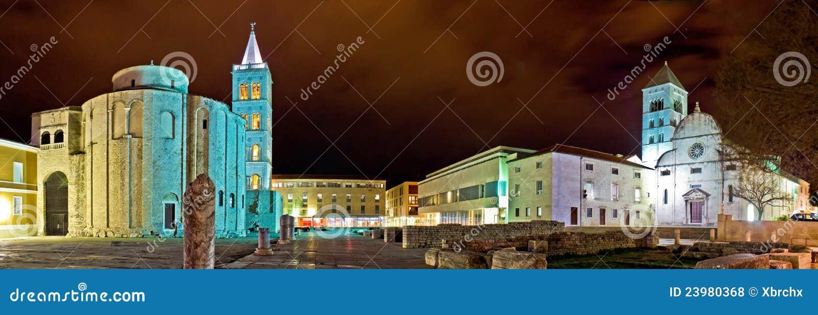 Vieille vue panoramique carrée de nuit de Zadar