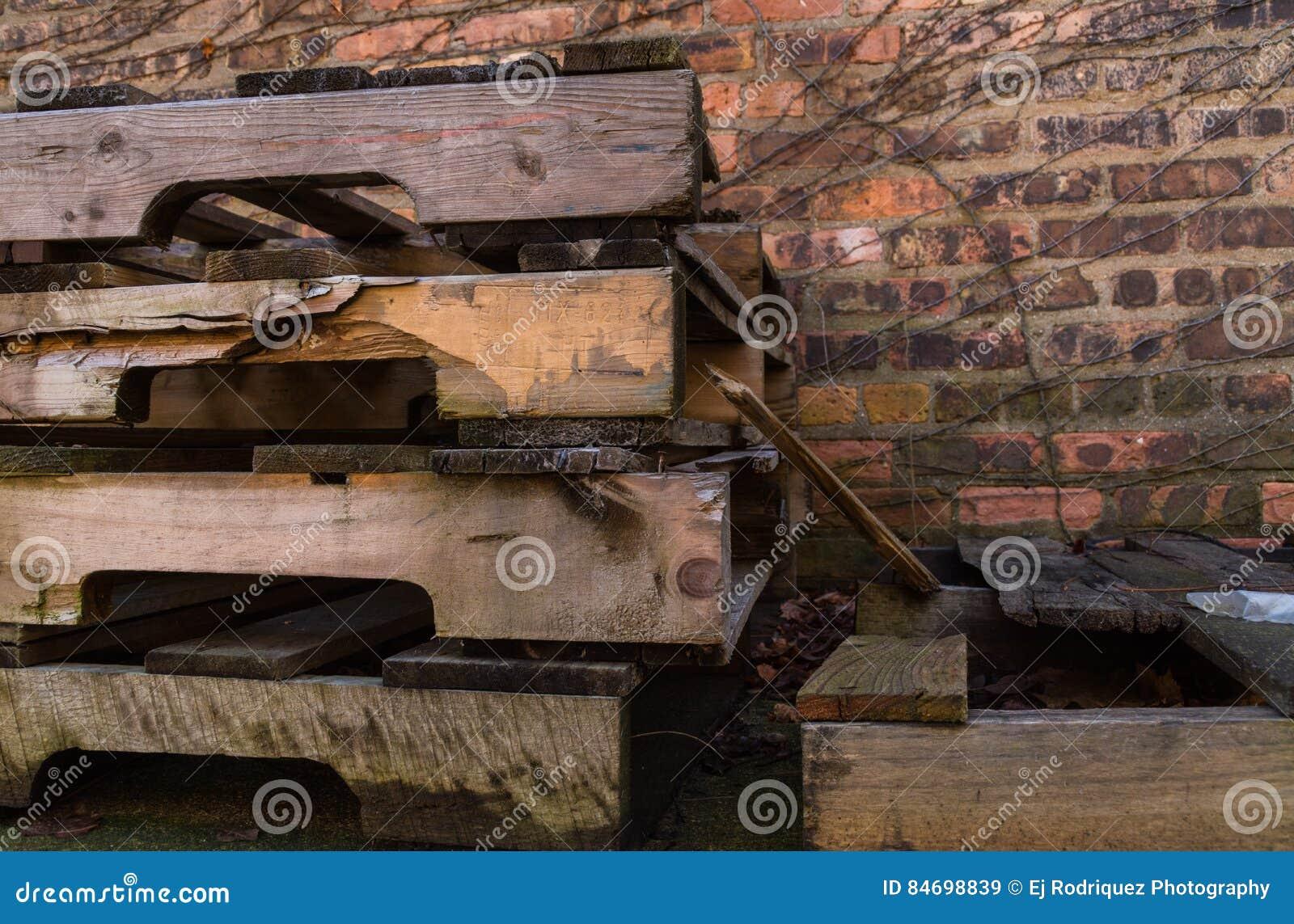 Mur Exterieur En Palette De Bois vieilles palettes en bois image stock. image du illinois