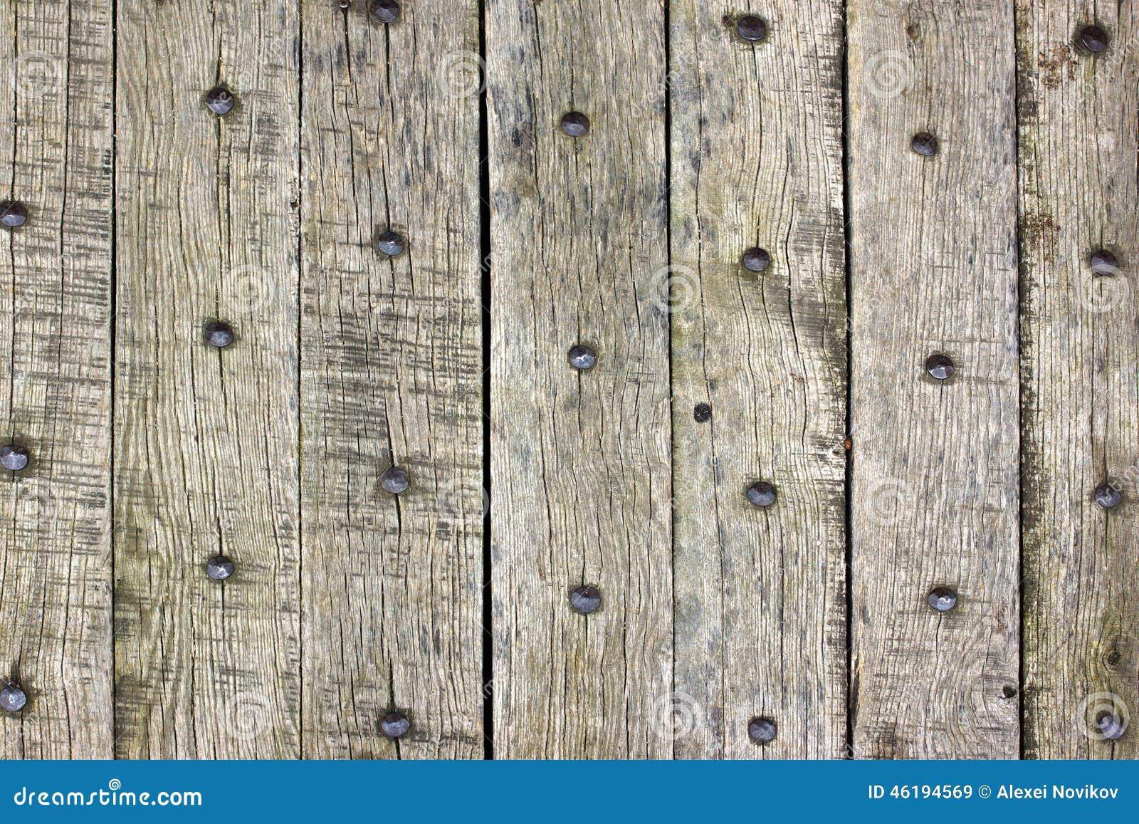 Vieilles planches en bois avec des clous photo stock for Vieille planche de bois
