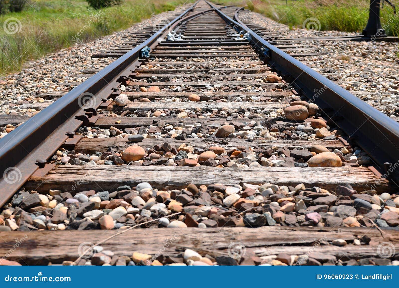 Vieilles voies de chemin de fer abandonnées