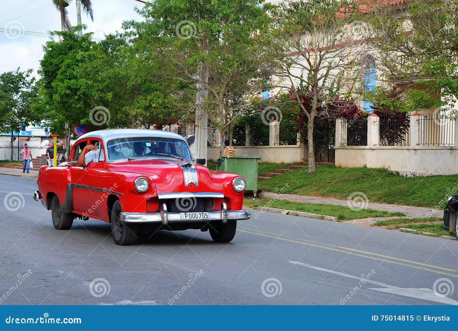 vieilles voitures am ricaines au cuba image ditorial image 75014815. Black Bedroom Furniture Sets. Home Design Ideas