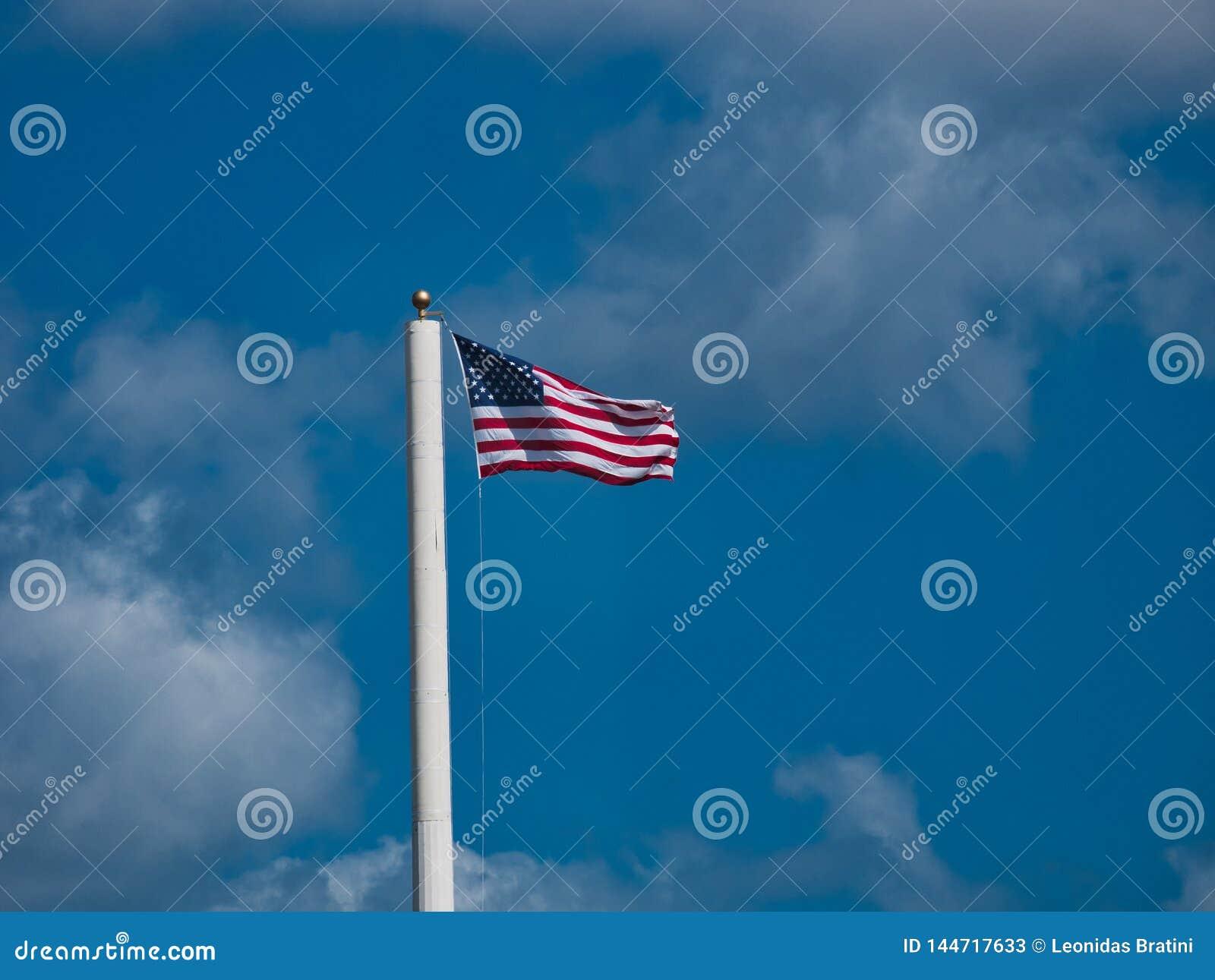 Vieja Glory Flying en el viento