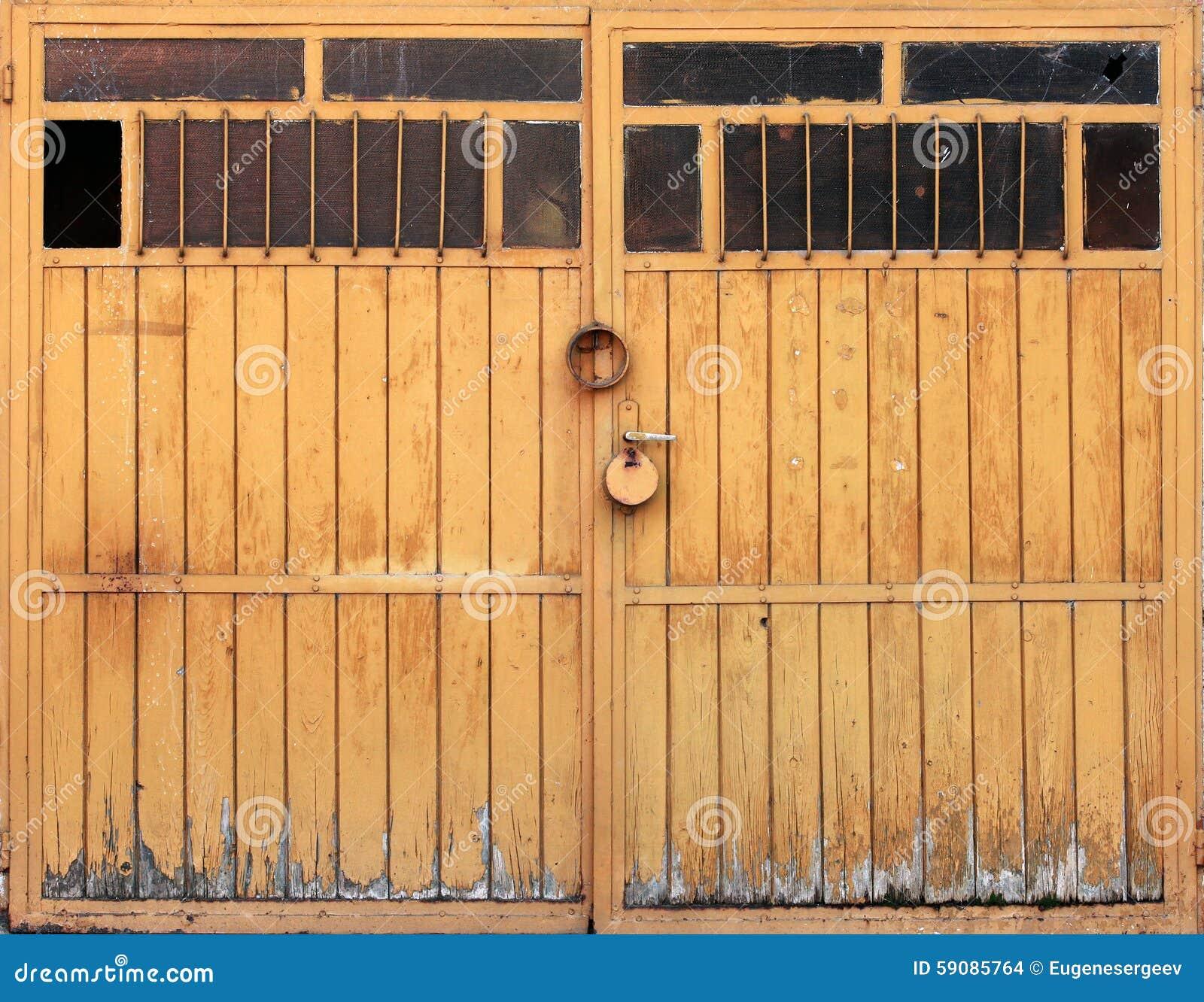 Puertas de garaje de madera puerta de garaje seccional - Puertas de garaje de madera ...