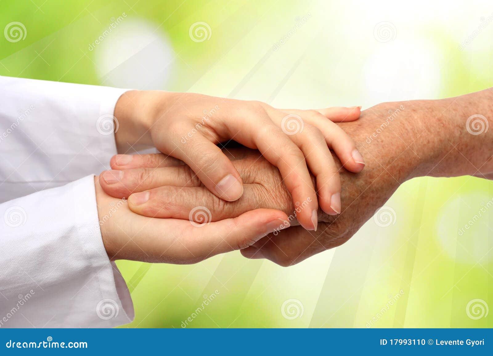 Vieja y joven mano, doctor de la enfermera