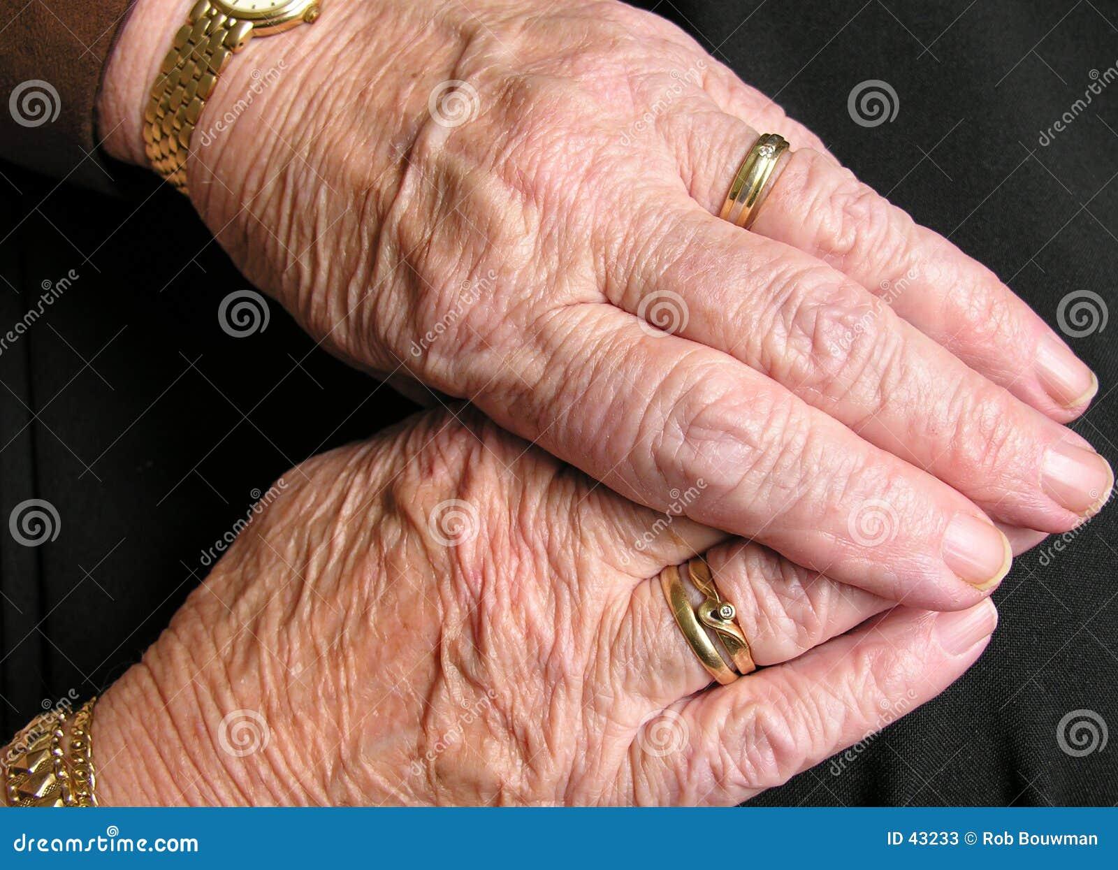 Download Viejas manos imagen de archivo. Imagen de nana, dedos, brazo - 43233