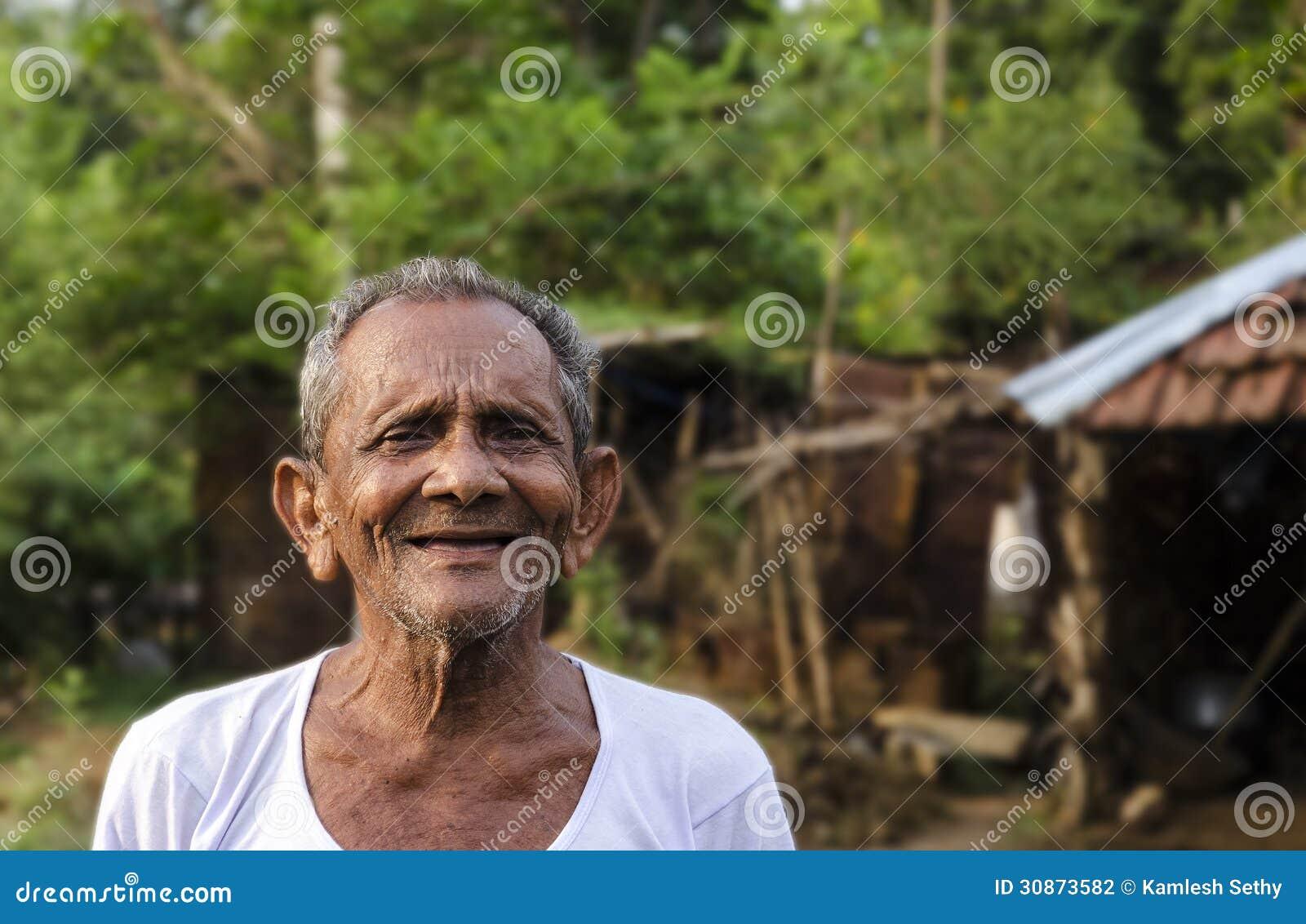 Viejo hombre indio