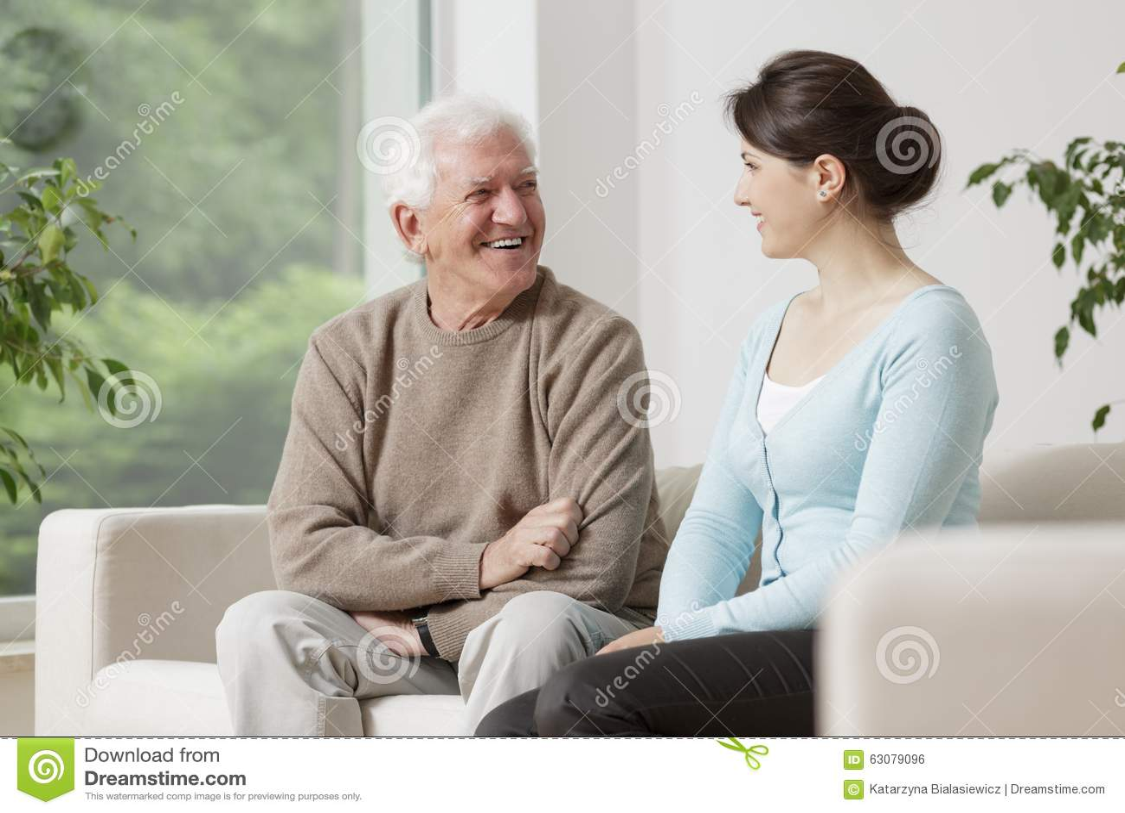 charla viejo y joven