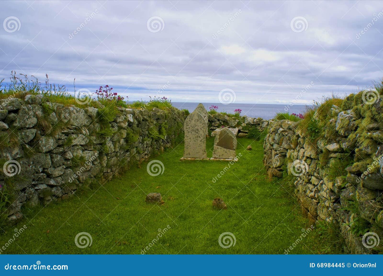 Viejo lugar del entierro en Unst