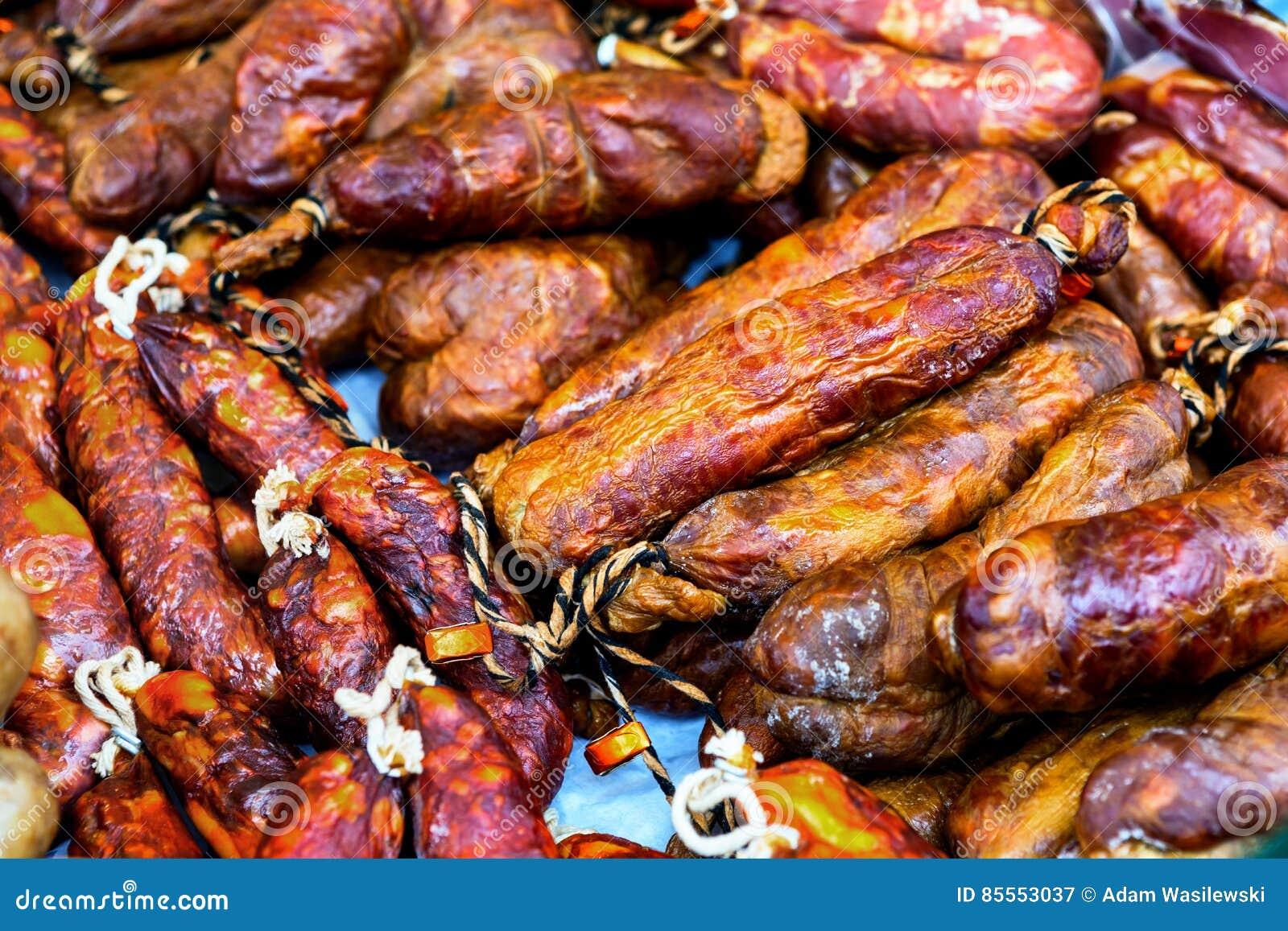 Viel Art des geräucherten Fleisches