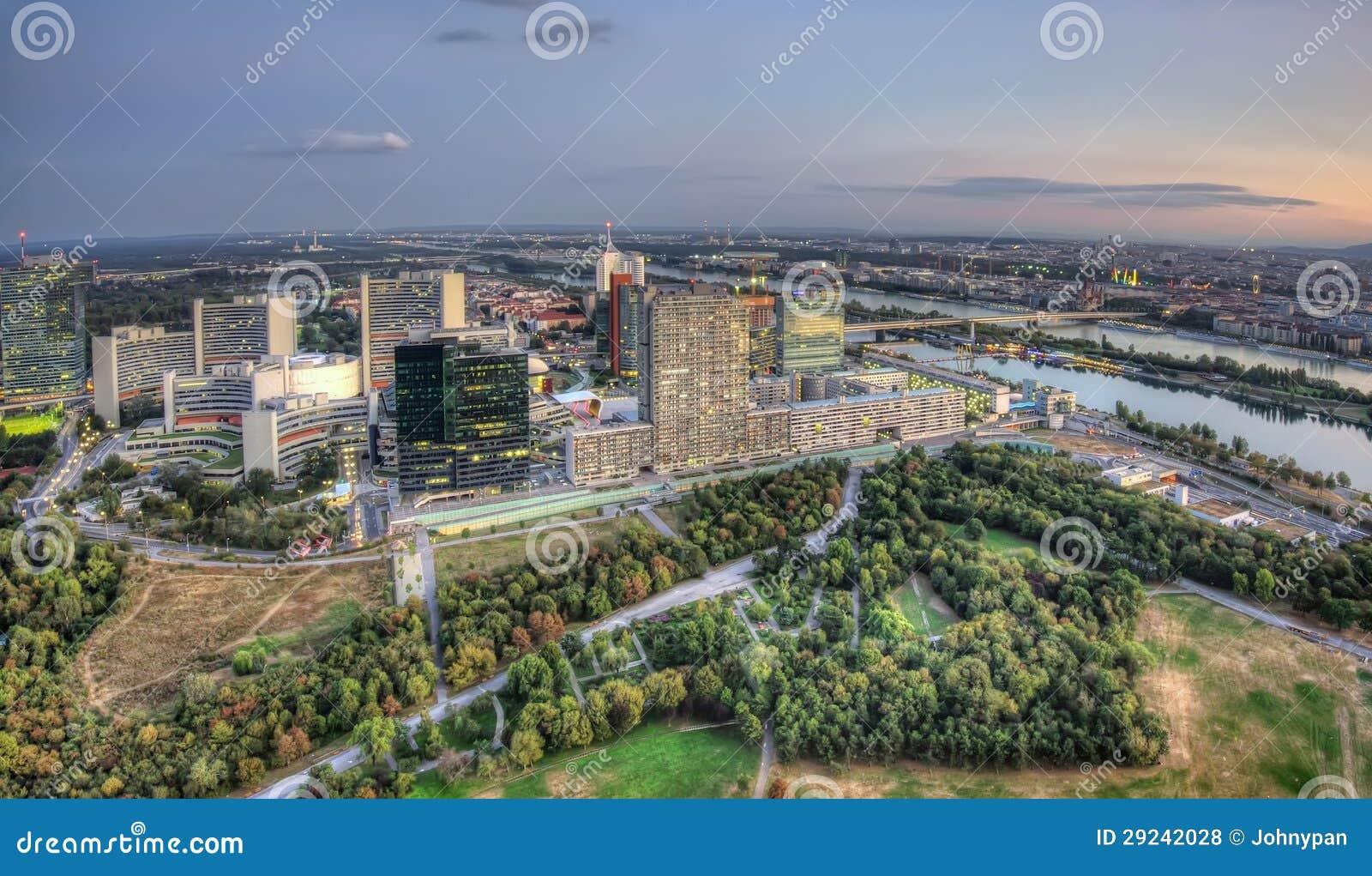 Download Viena foto de stock. Imagem de greenery, estrada, crescimento - 29242028