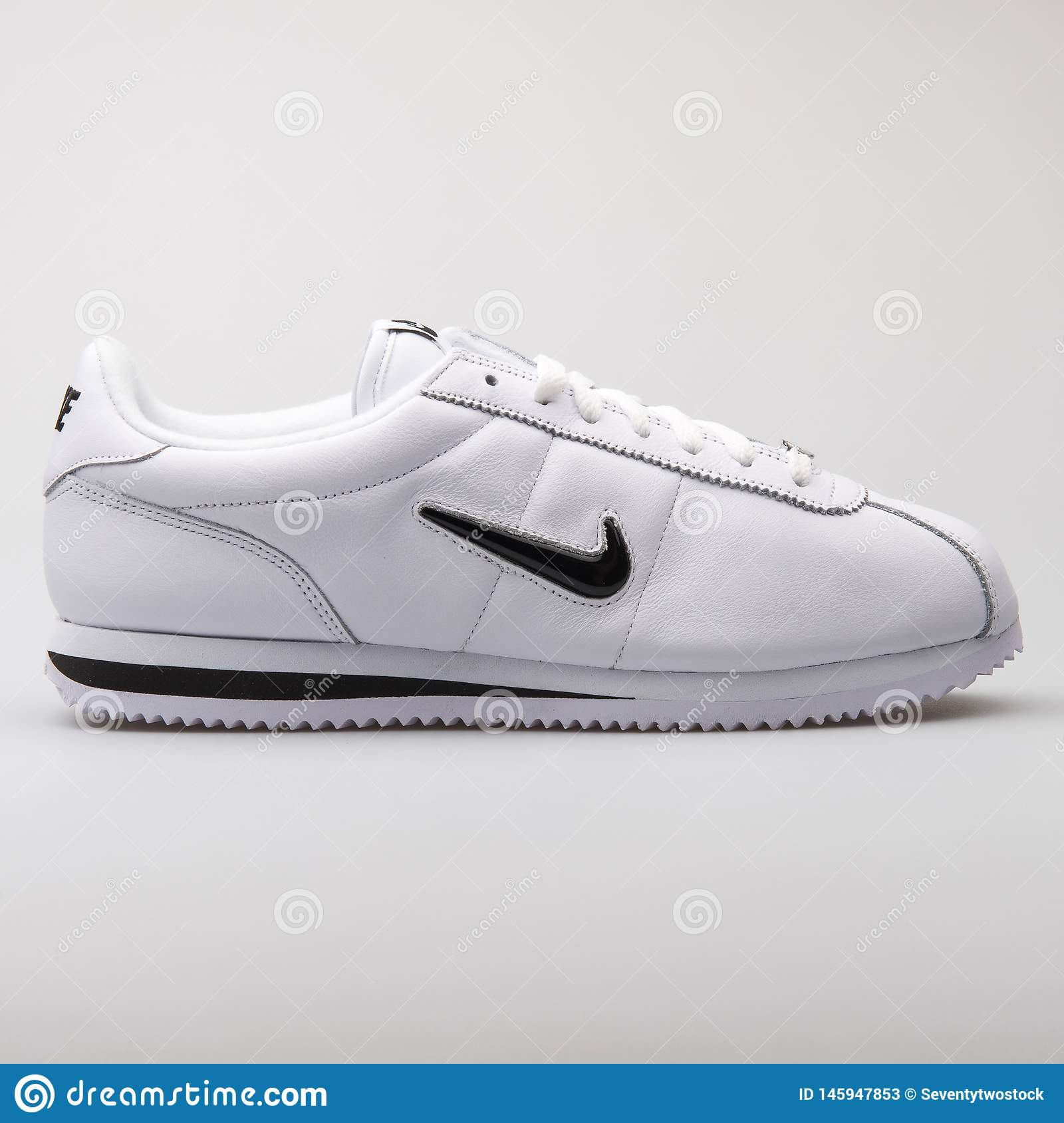 best loved 5fd33 9e82d Nike Cortez Basic Jewell QS TZ White And Black Sneaker ...