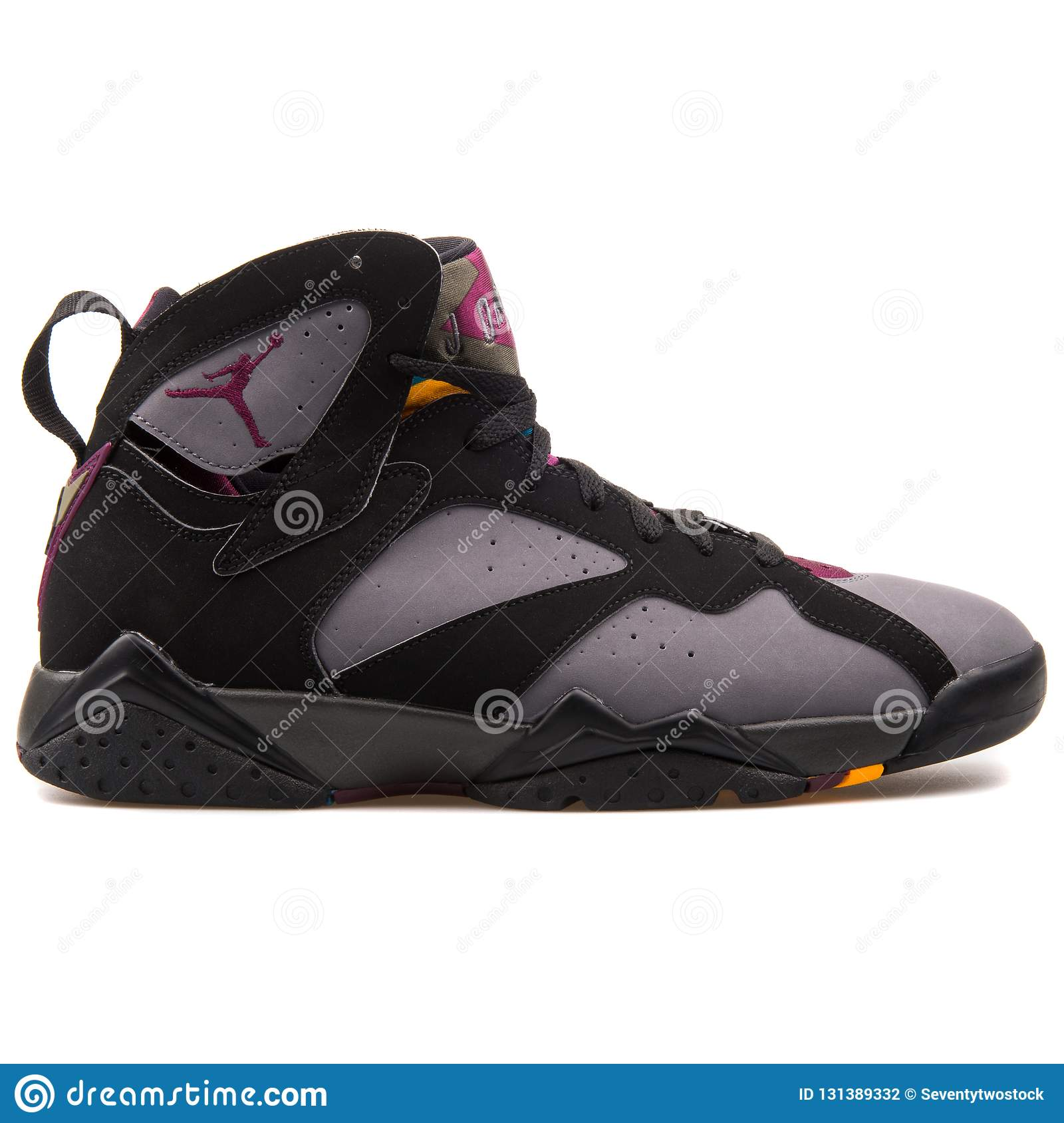 online store 2019e 3dc8c Nike Air Jordan 7 Retro Black Graphite Sneaker Isolated On ...