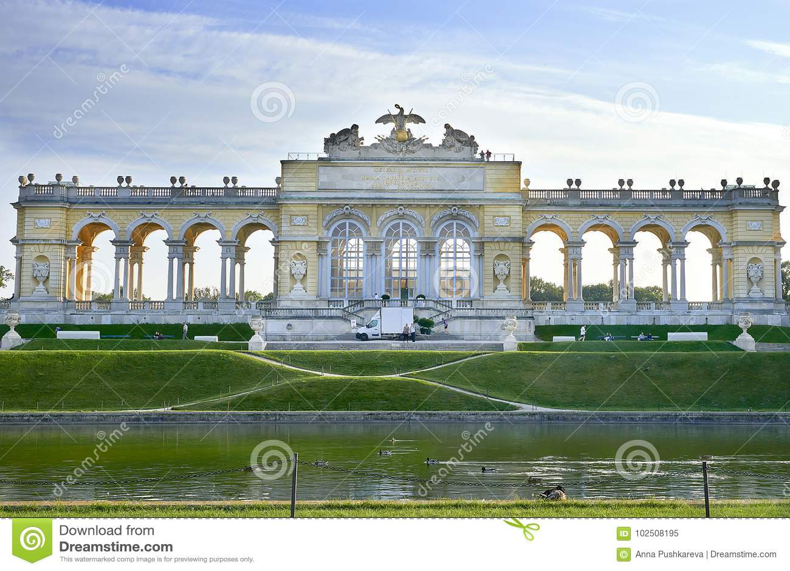 Vienna, Austria - 25 settembre 2013: Palazzo e giardini di Schonbrunn La precedente residenza imperiale di estate Il palazzo è un