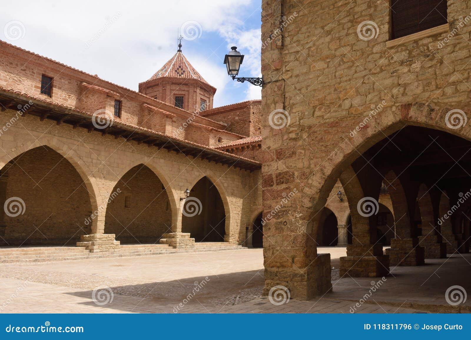 Vierkant van Cristo Rey, Cantavieja, Alto Maestrazgo-kapitaal, Terue