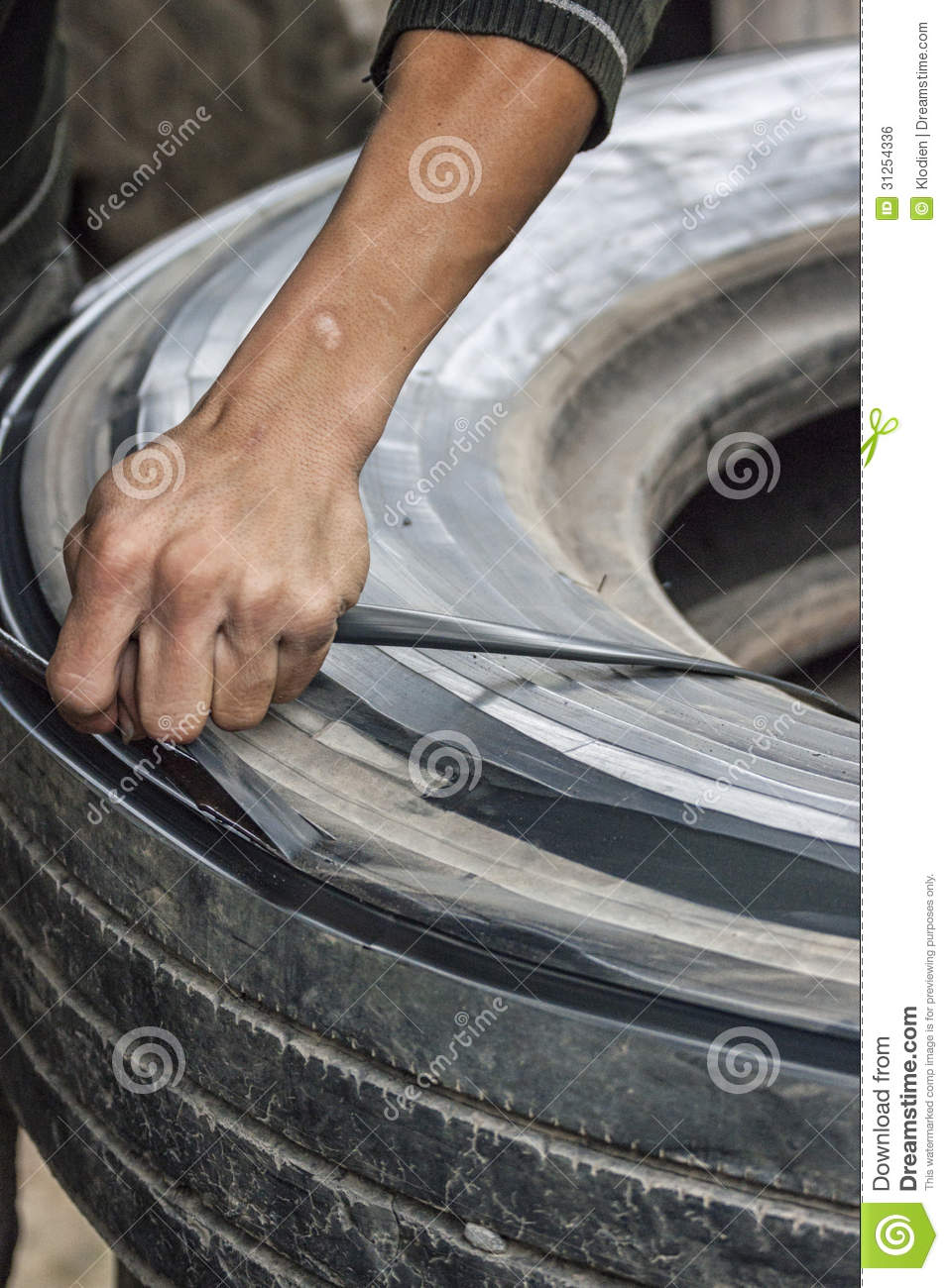 Vietnam - Cutting Rubber Ribbon Out Of Worn Truck Tire ...