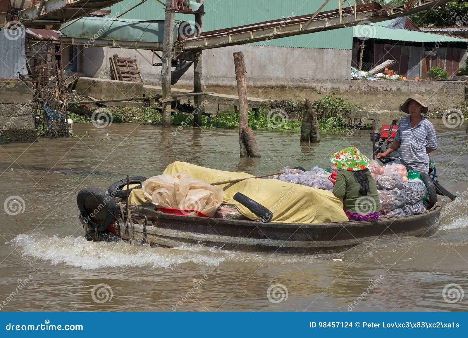 Vietnam Mekong delta som svävar marknaden