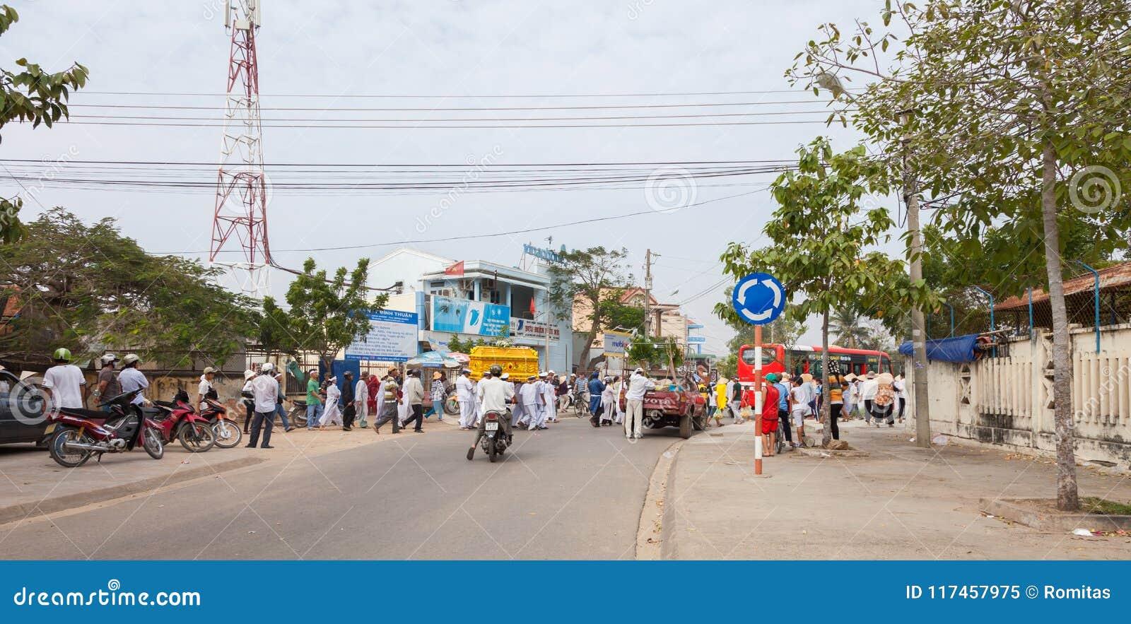 Vietnam mui ne vietnamese funeral procession editorial image vietnamese funeral procession izmirmasajfo