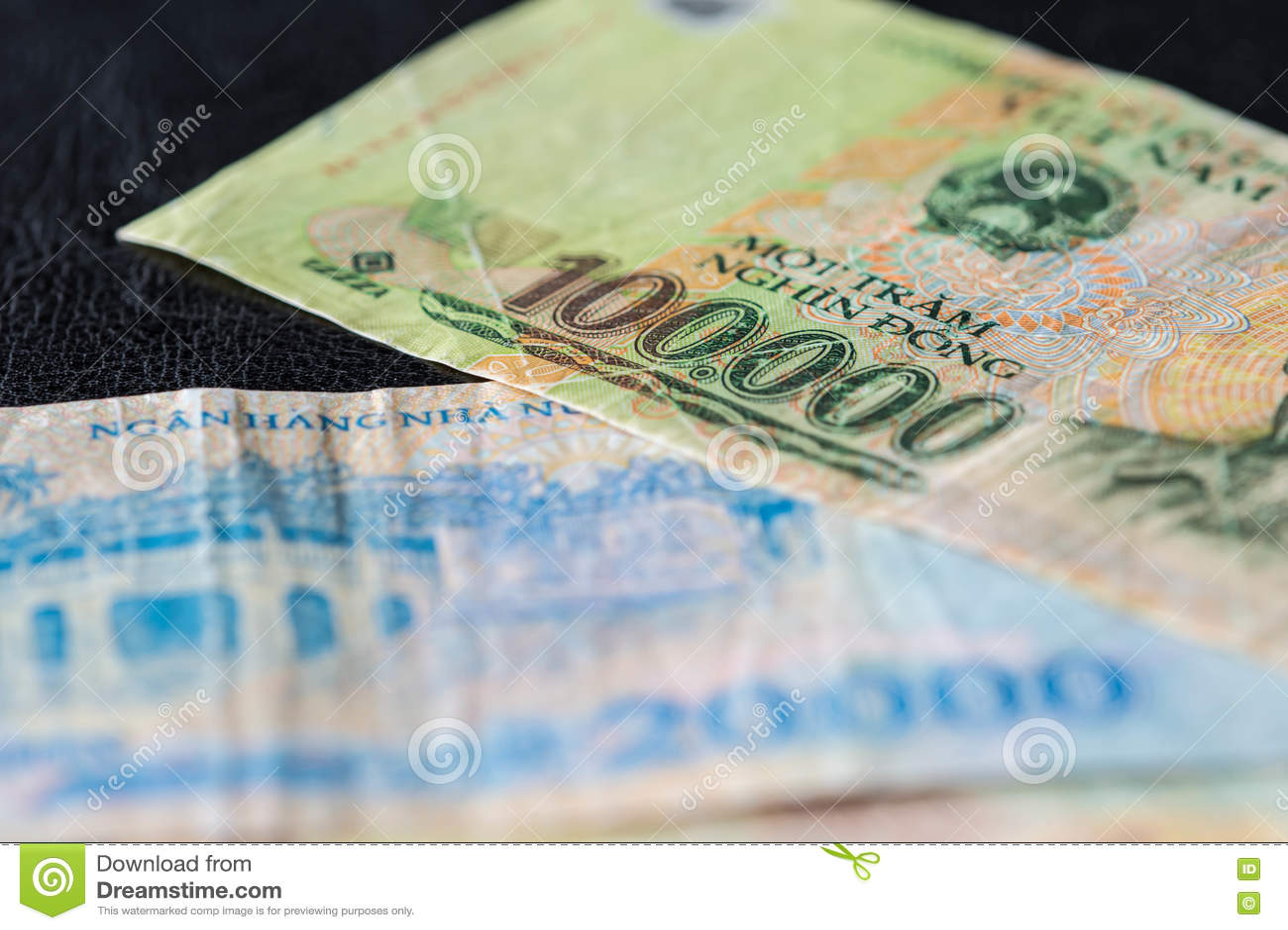 Vietnamese banknote of 100,000 VND