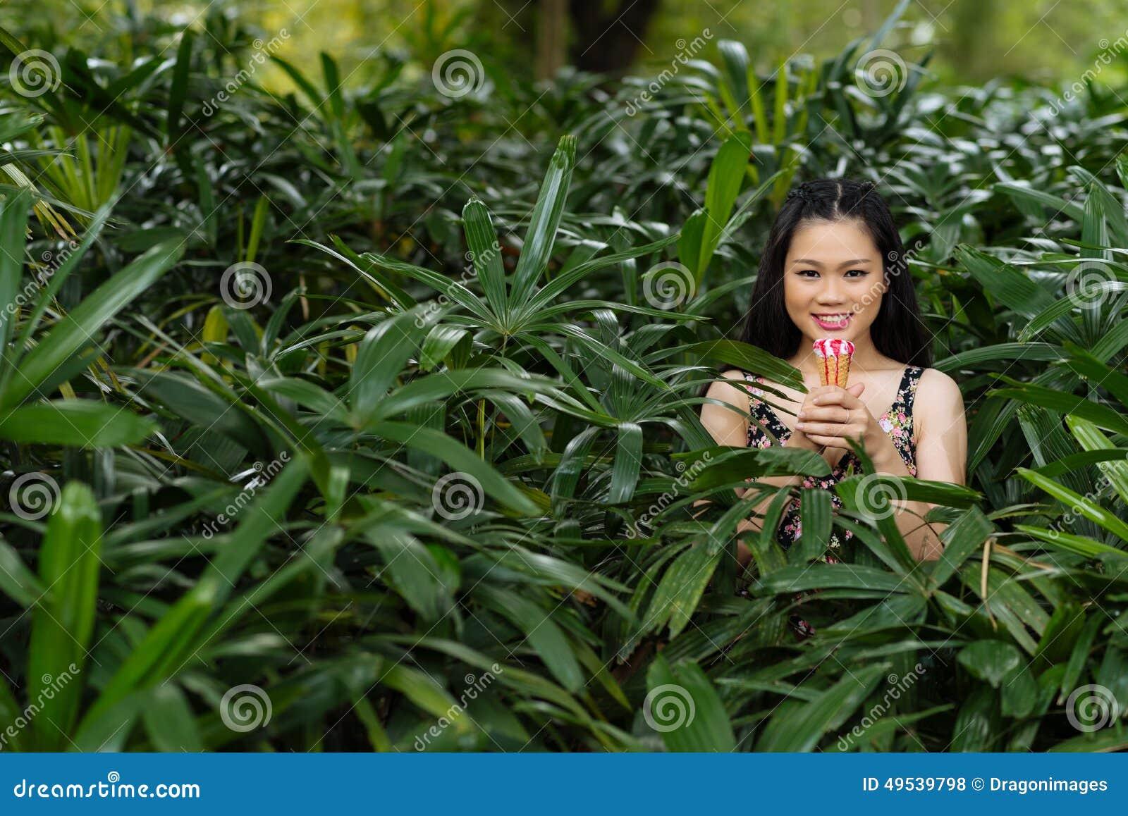 girls bushes