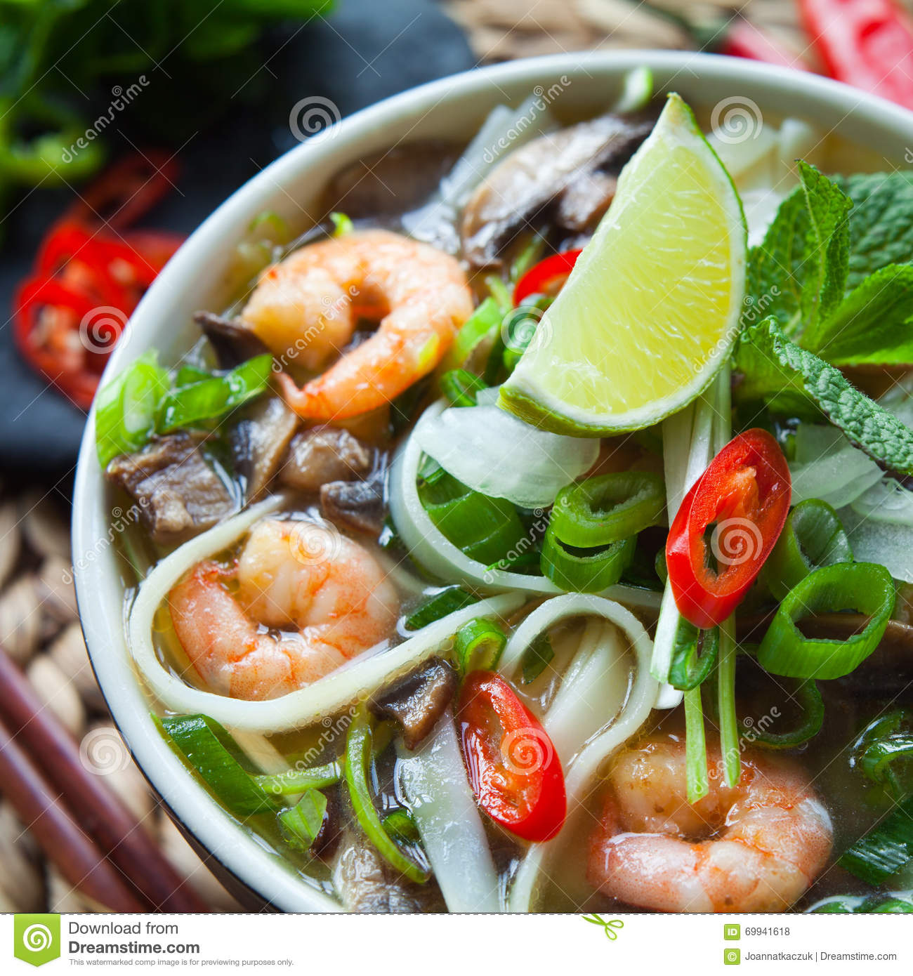 Download Vietnamese Pho Tom Yum Shrimp Prawn Soup Stock Photo - Image of food, green: 69941618