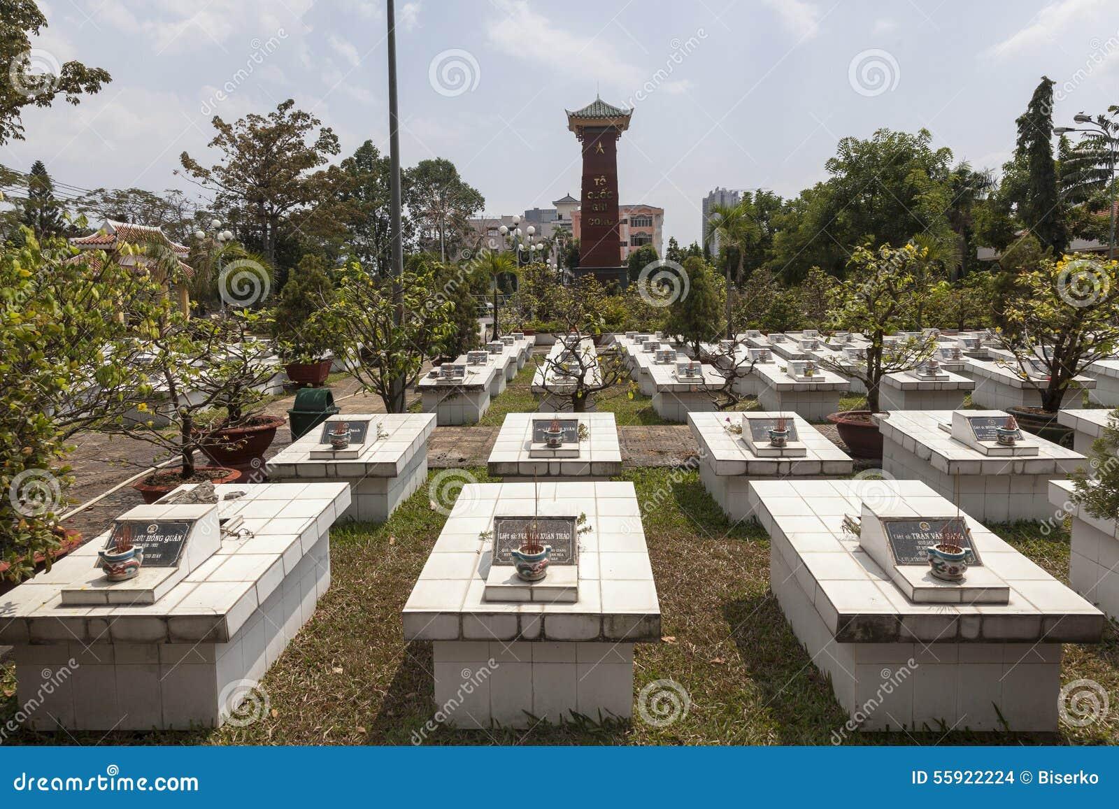 Vietnamese Soldiers Graveyard Editorial Stock Image - Image of ...