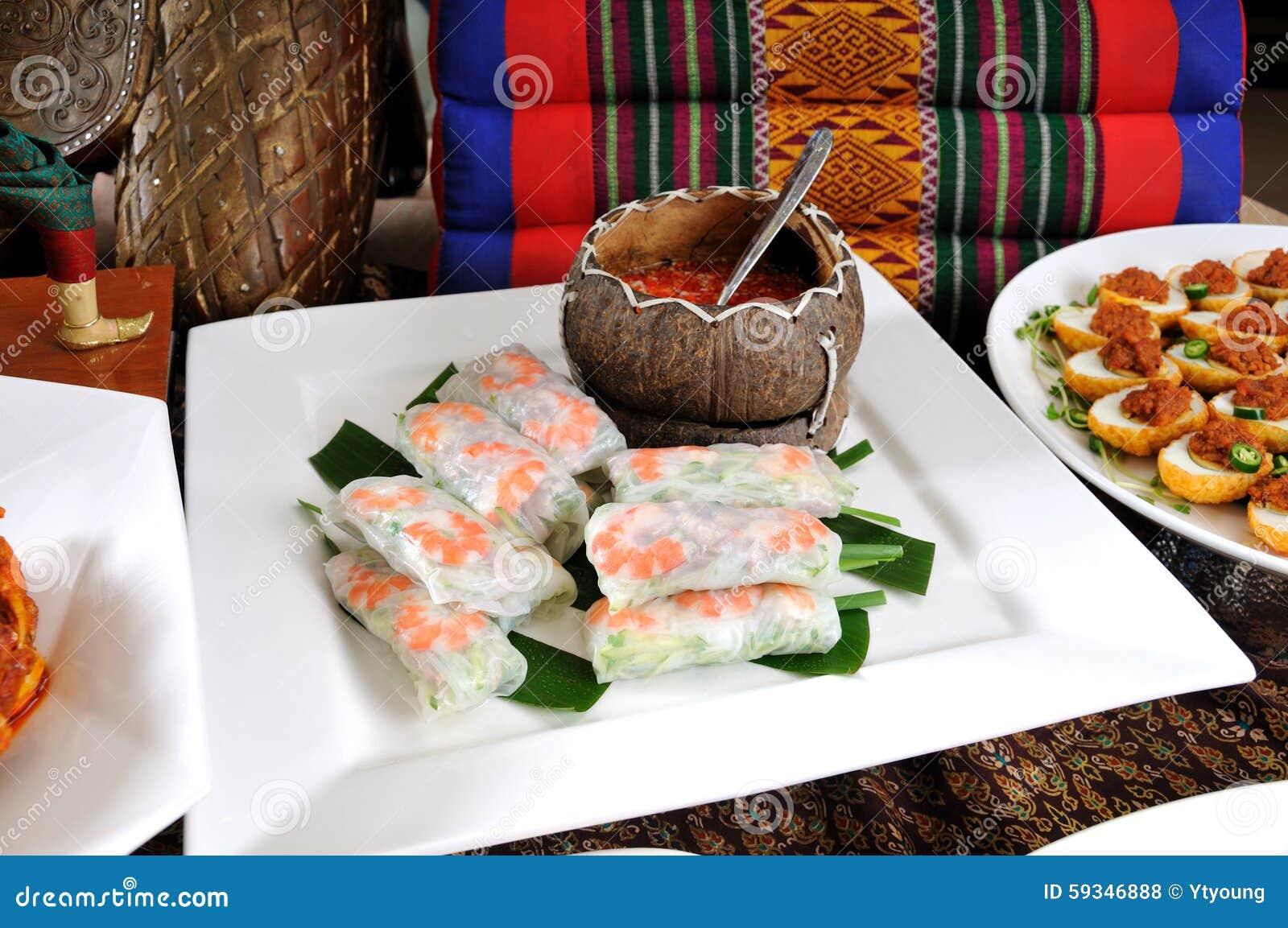 Vietnamesisk stilvårrulle