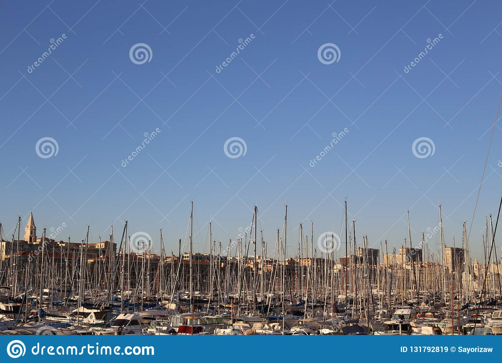 Vieux-λιμένας de Μασσαλία στον ουρανό