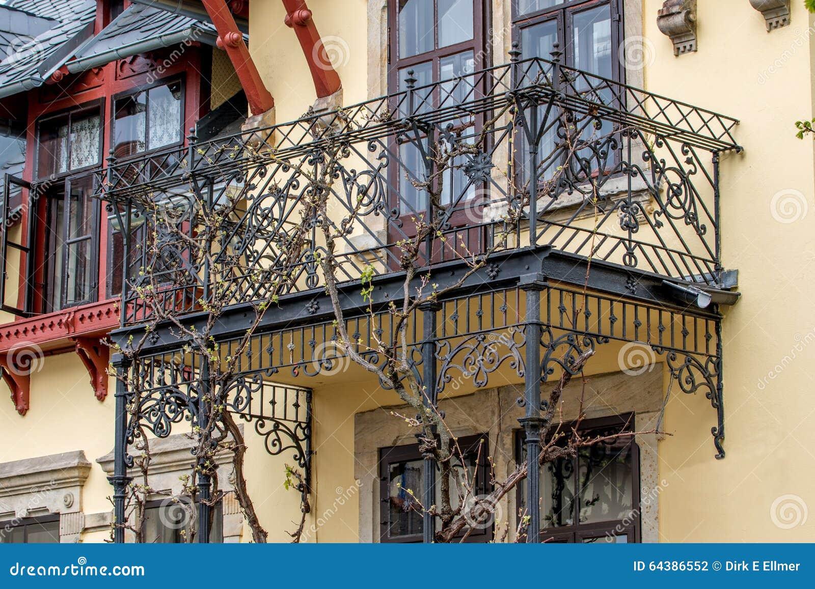 vieux balcon en acier photo stock image 64386552. Black Bedroom Furniture Sets. Home Design Ideas