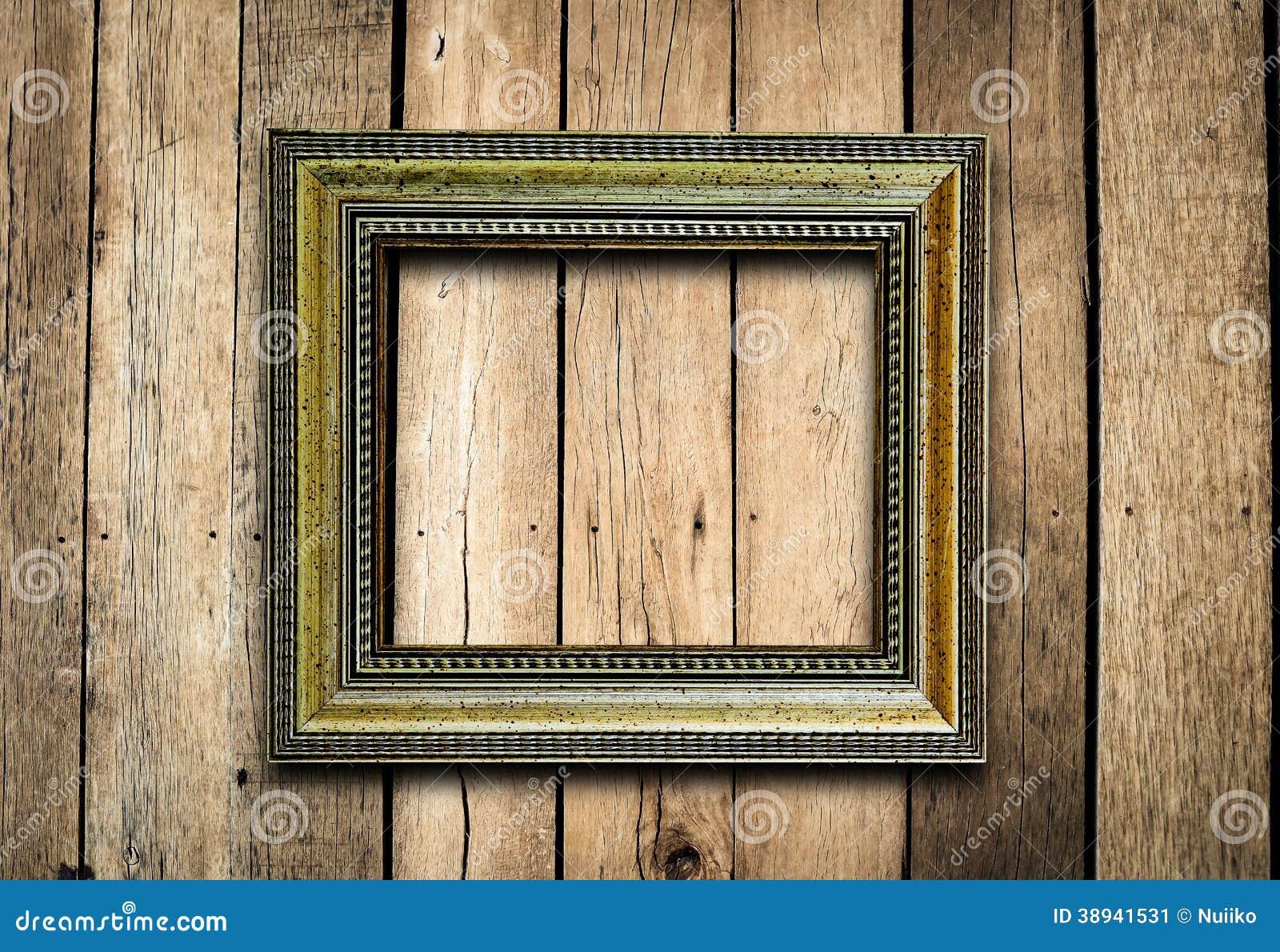 vieux cadre de tableau sur le mur en bois de vintage image stock image du fantaisie cache. Black Bedroom Furniture Sets. Home Design Ideas