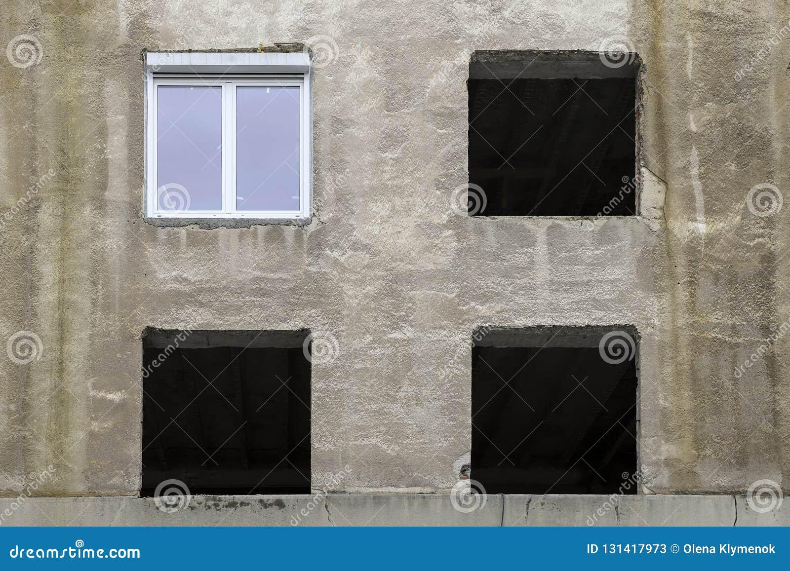 Vieux cadres de photo sur le mur