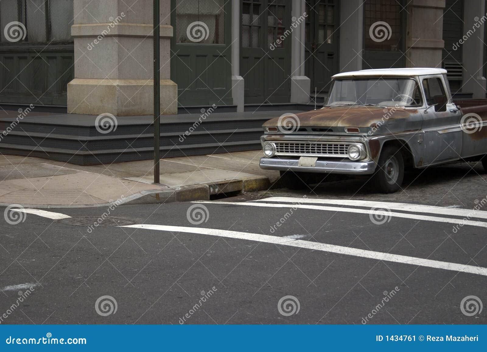 Vieux camion dans NYC