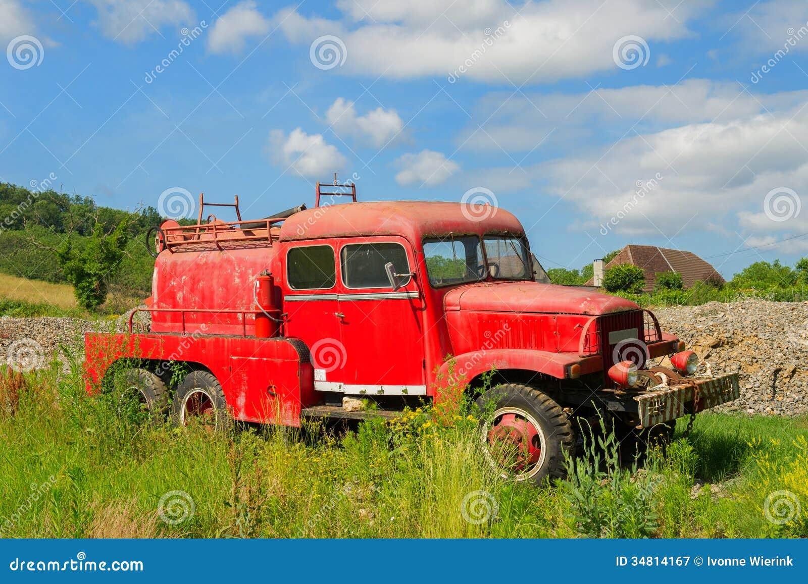 vieux camion de pompiers fran ais image stock image 34814167. Black Bedroom Furniture Sets. Home Design Ideas