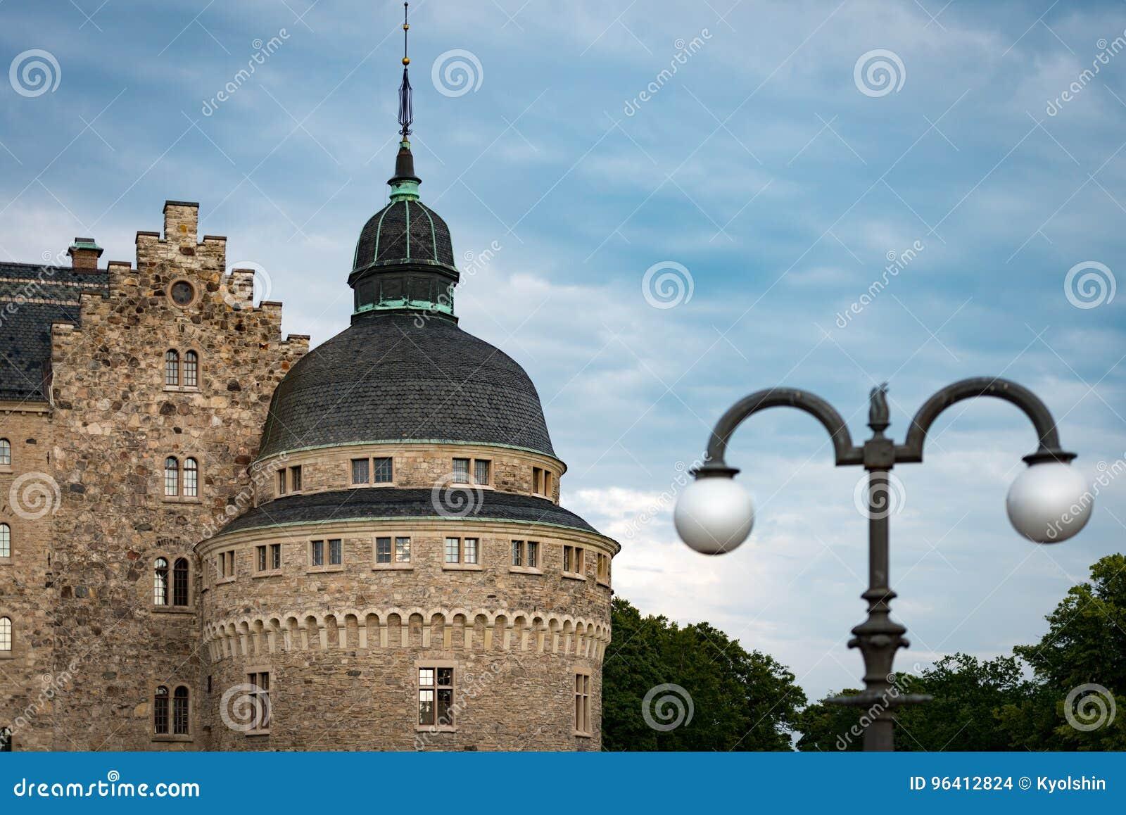 Vieux château médiéval dans Orebro, Suède, Scandinavie