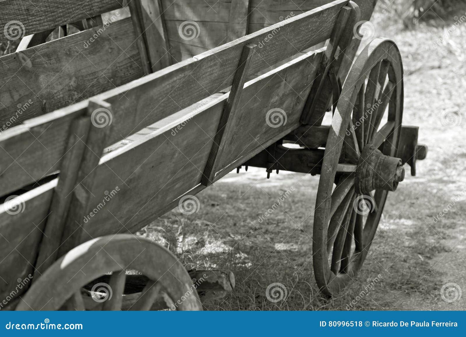 Vieux Chariot De Ferme En Noir Et Blanc Photo Stock Image