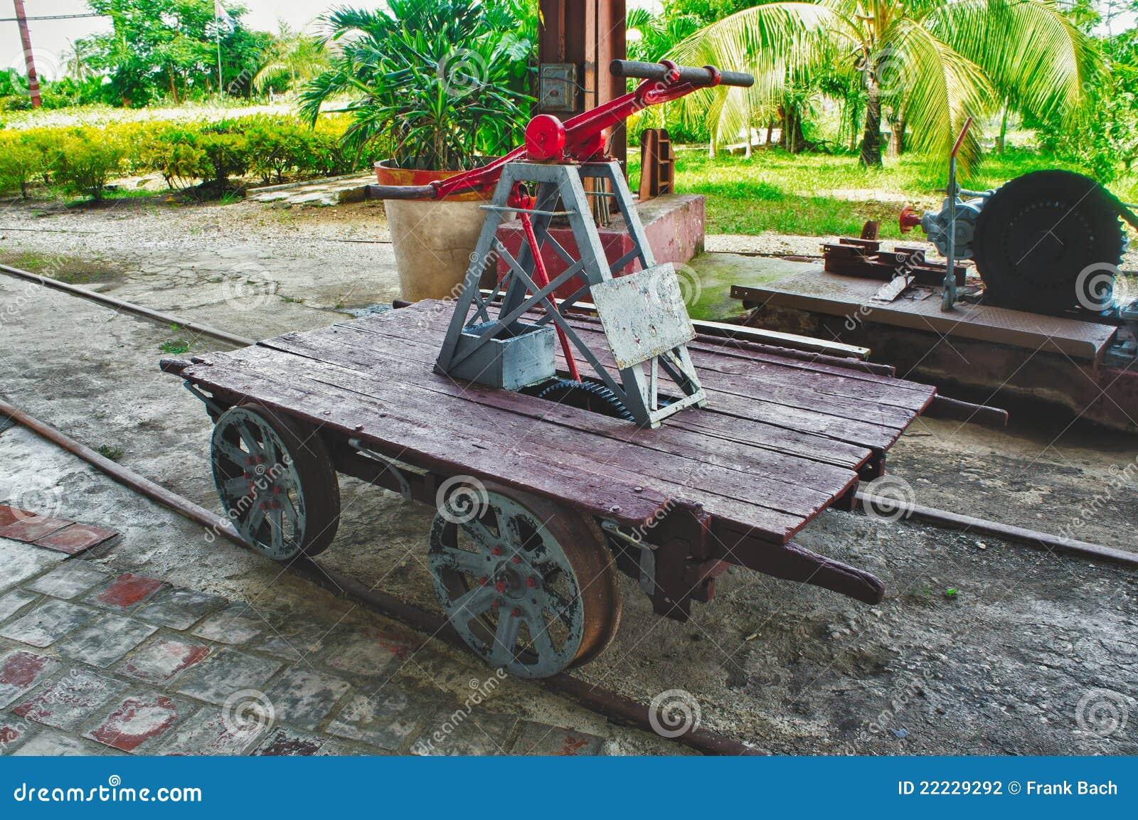 Vieux chariot handcar ferroviaire à pompe
