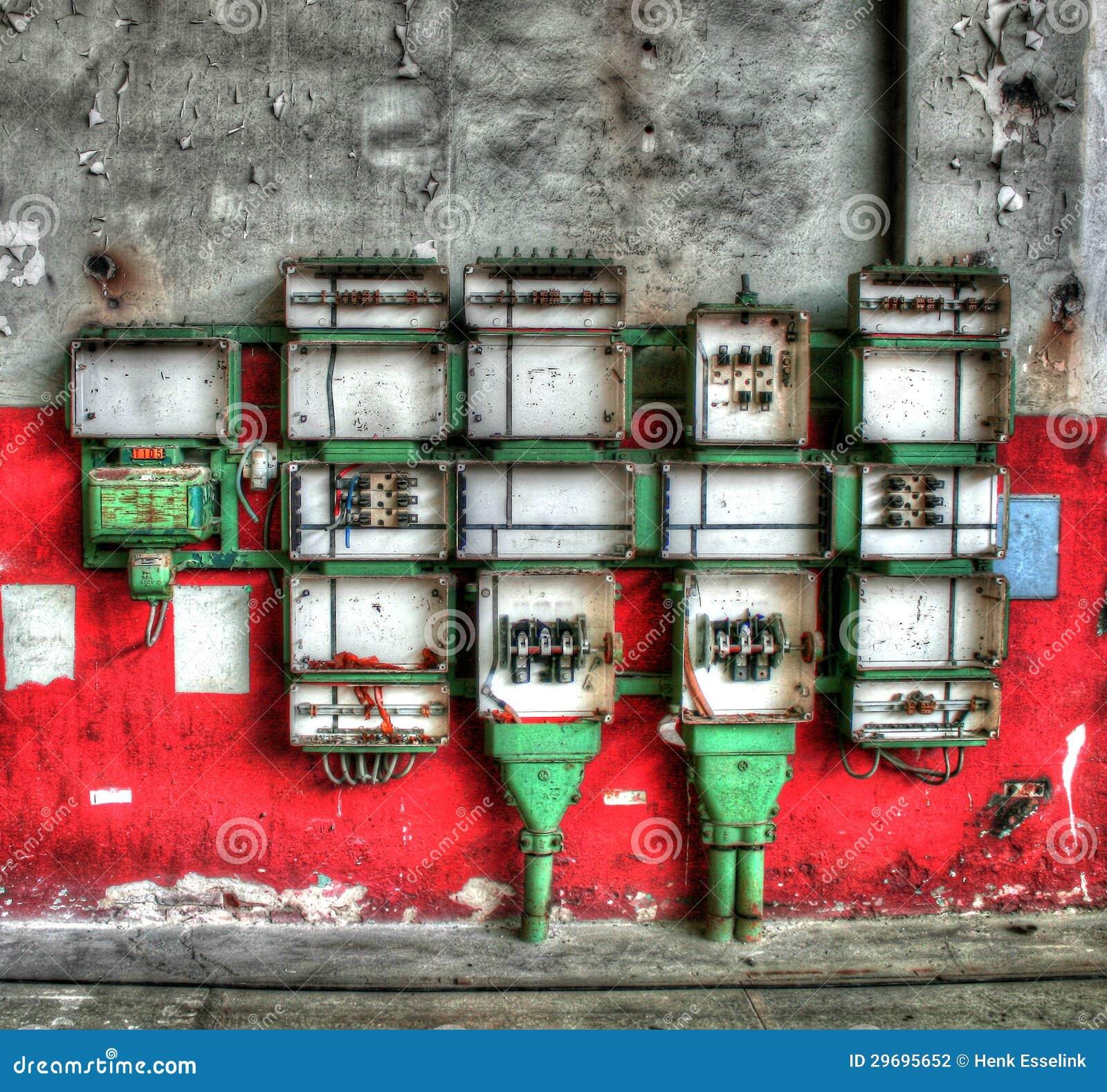 Vieux compartiments de l électricité