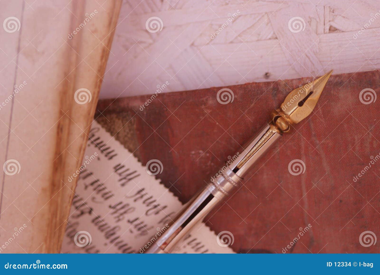 Vieux crayon et écriture