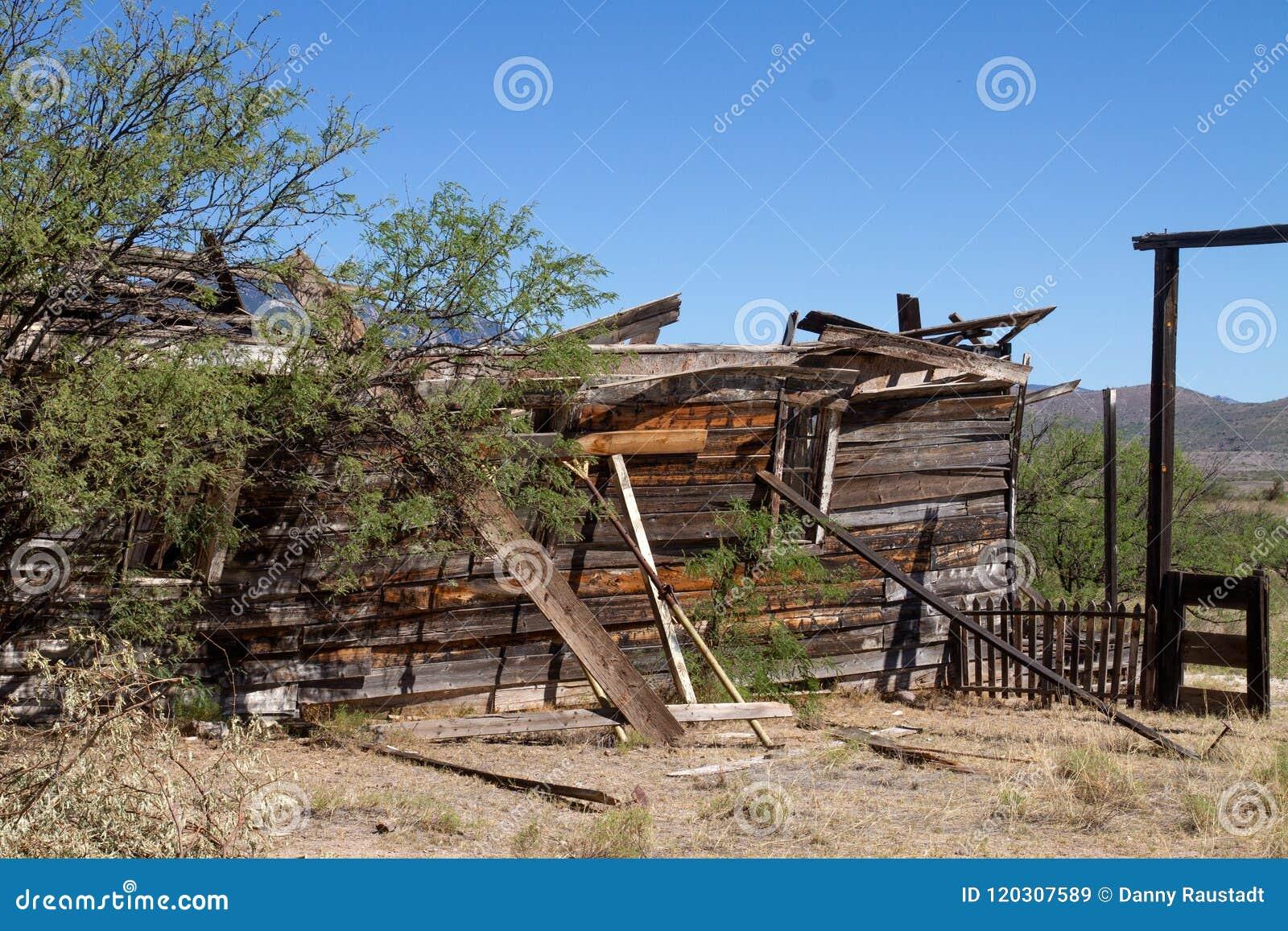 Vieux décor de film occidental sauvage dans le peyotl, Arizona