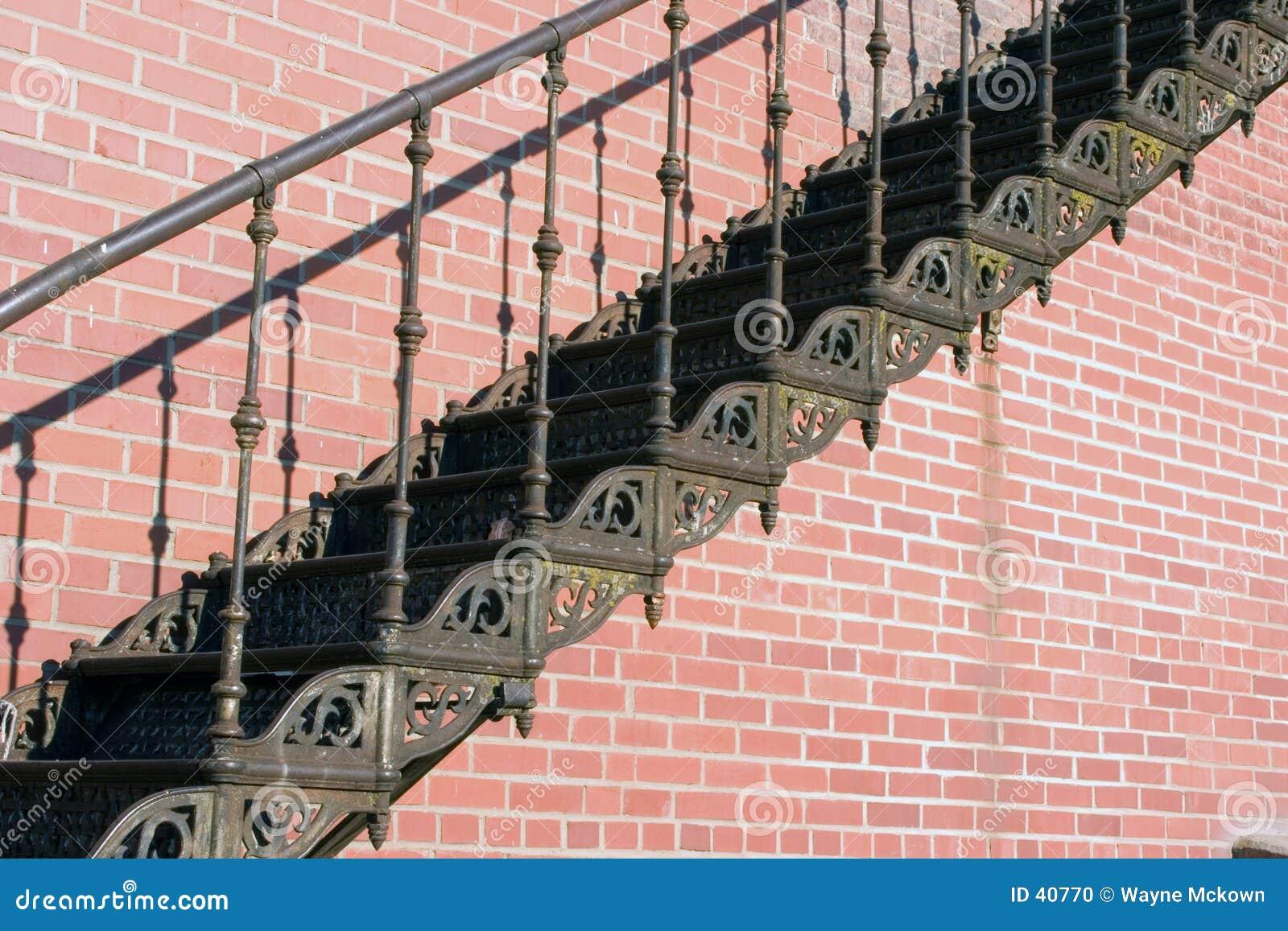 Vieux escaliers de fer