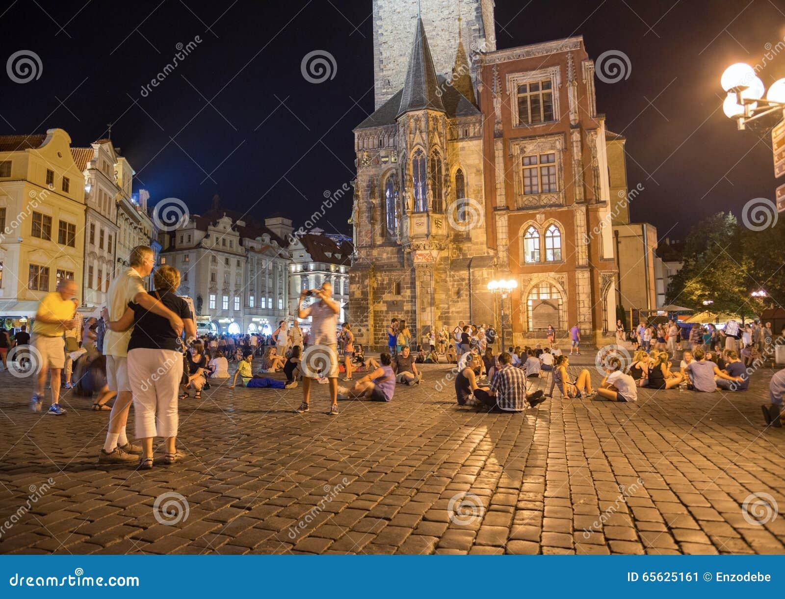 Vieux hôtel de ville par nuit - Prague - République Tchèque