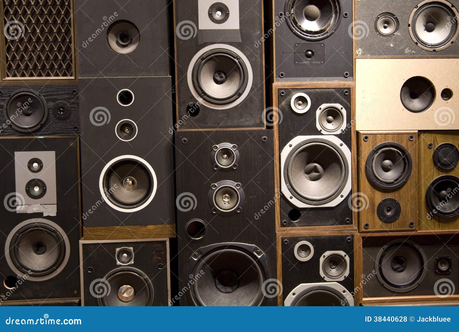 Vieux haut-parleurs